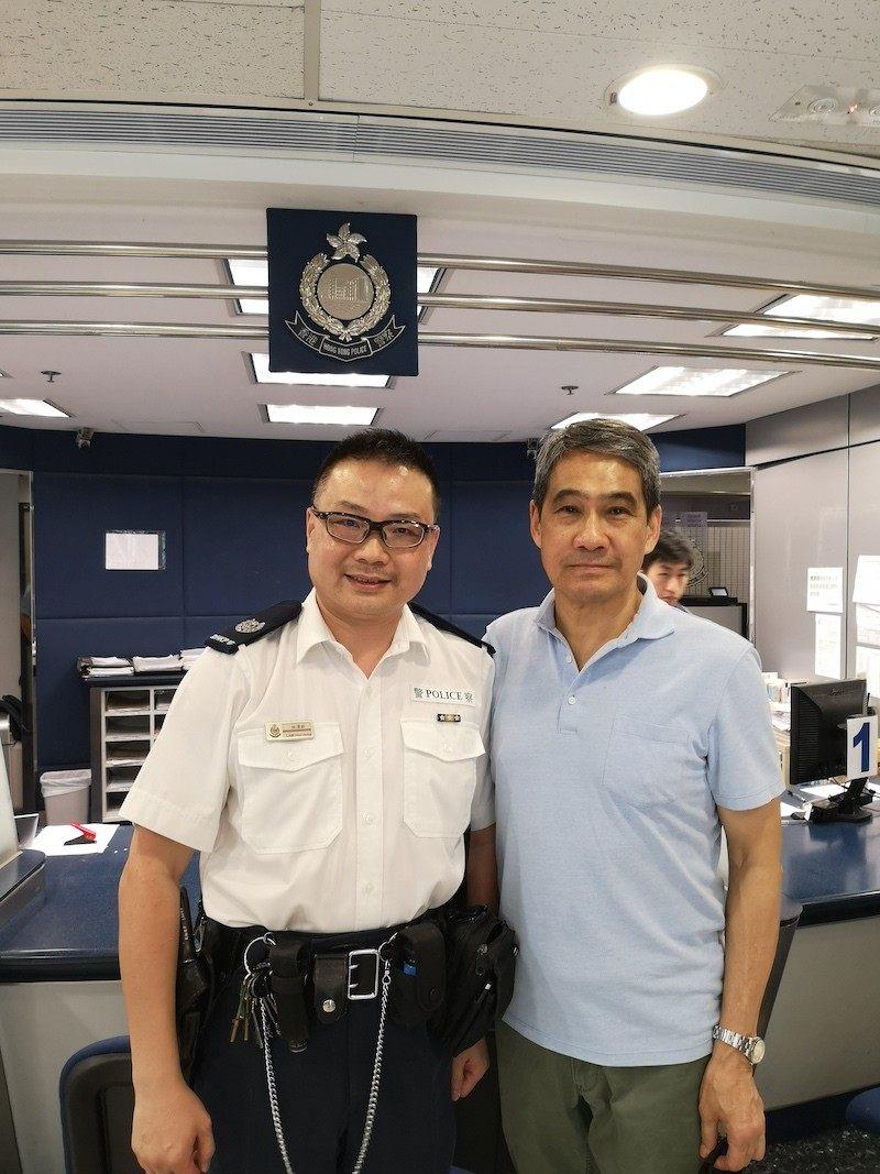 大聯盟副召集人鄧竟成到尖沙咀警署慰問。